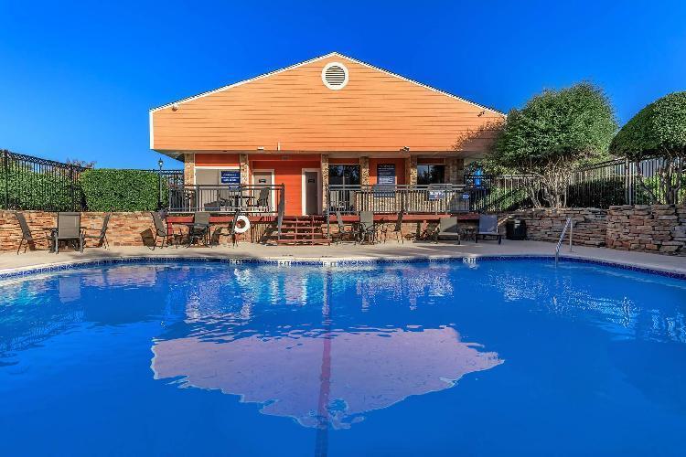 1301 Park Place Boulevard #411, Hurst, TX - 1,045 USD/ month
