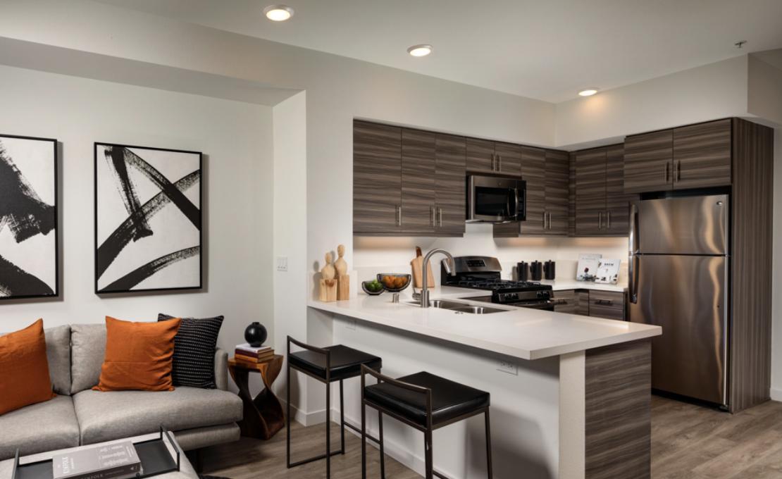 12035 Wilshire Blvd #PH709, Los Angeles, CA - 5,200 USD/ month