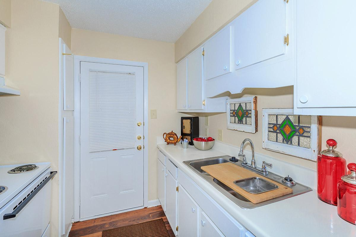 100 Manchester Drive #307, Euless, TX - 1,050 USD/ month