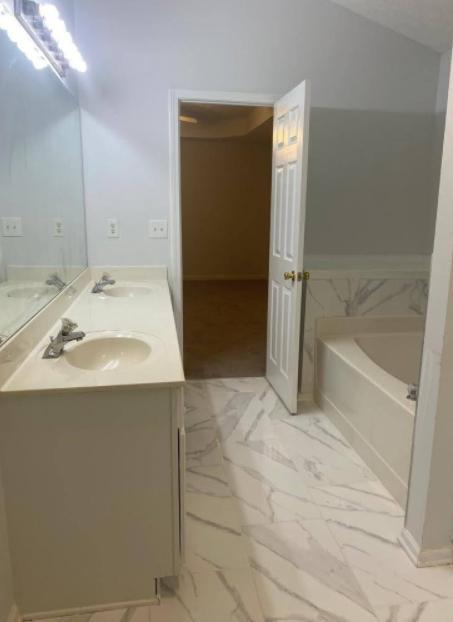 340 Circle Rd #340 - 2350USD / month