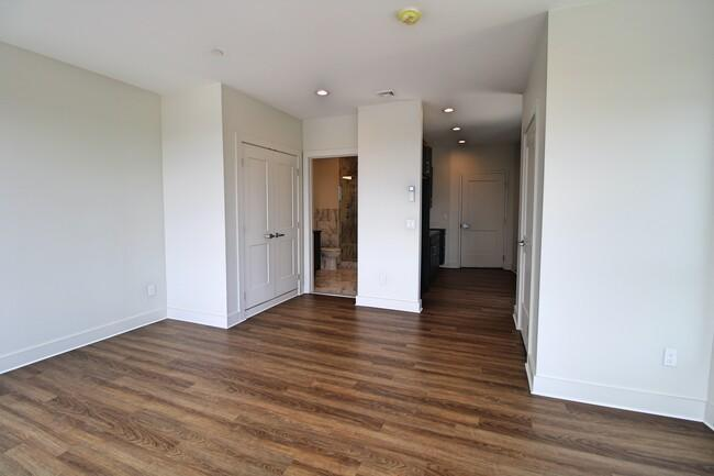 1292 Westminster Street #209 - 2400USD / month