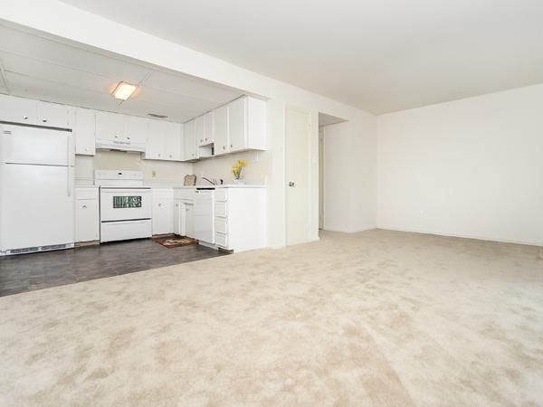 890 E Walnut Road #14A, Vineland, NJ - 1,625 USD/ month