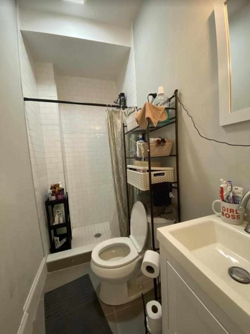 224 Lexington St #3, Boston, MA - 3,600 USD/ month