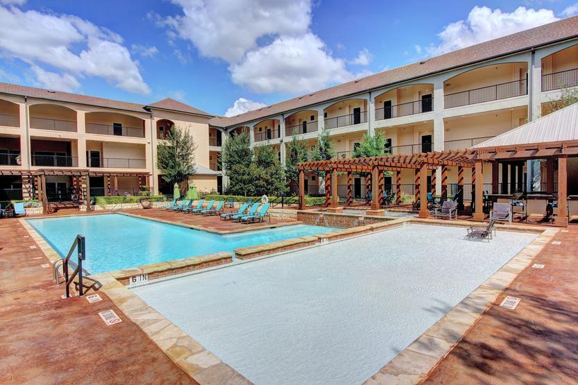 12601 Bee Cave Parkway #204, Bee Cave, TX - 2,470 USD/ month