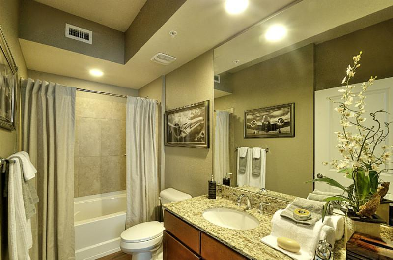 5201 West Hillsboro Boulevard #07-204, Coconut Creek, FL - 2,170 USD/ month