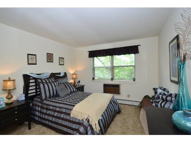 1 Makefield Road #K-424, Morrisville, PA - 1,105 USD/ month