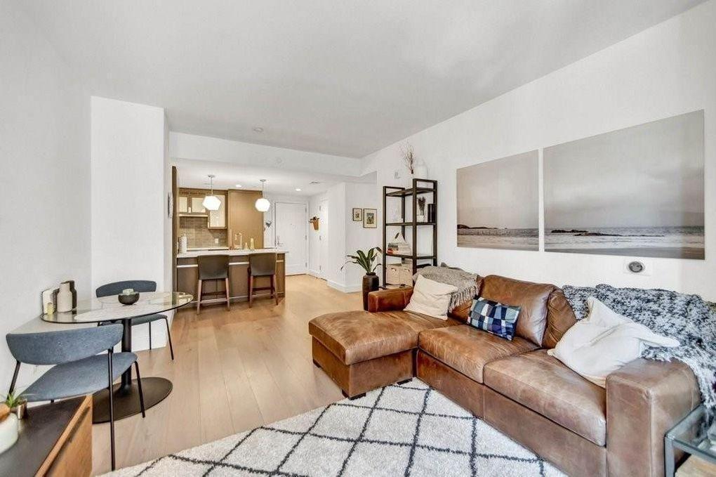100 Lovejoy Place #9J, Boston, MA - 6,250 USD/ month
