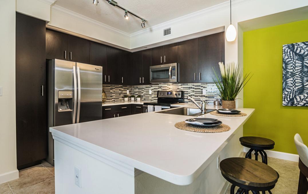 3700 Pacific Point Place #207, Lauderdale Lakes, FL - 2,565 USD/ month
