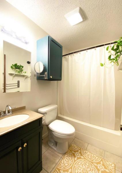522 Cottonwood ave #1, San Antonio, TX - 1,345 USD/ month