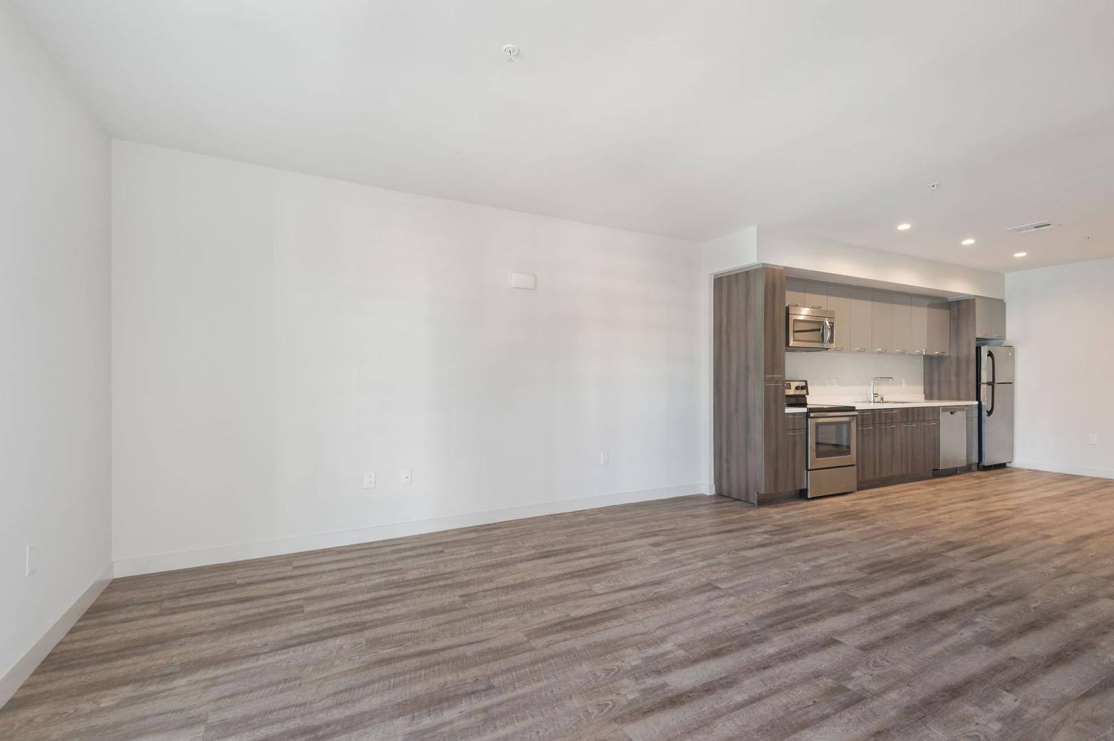 1515 Wilshire Blvd #321, Los Angeles, CA - 2,392 USD/ month