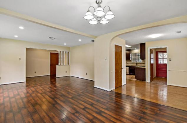 5607 Darnell St, Houston, TX - 2,490 USD/ month