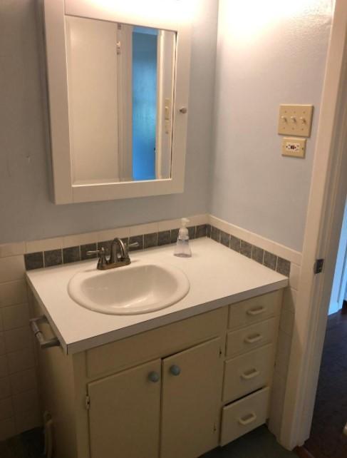 8605 Rockwood Ln #A, Austin, TX - 2,600 USD/ month