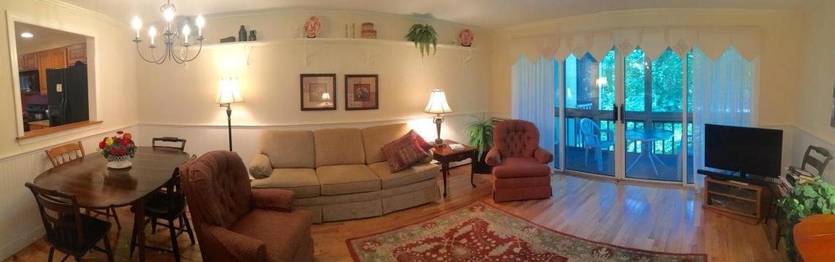 21 Brookside Drive #21, Stratham, NH - 2,300 USD/ month
