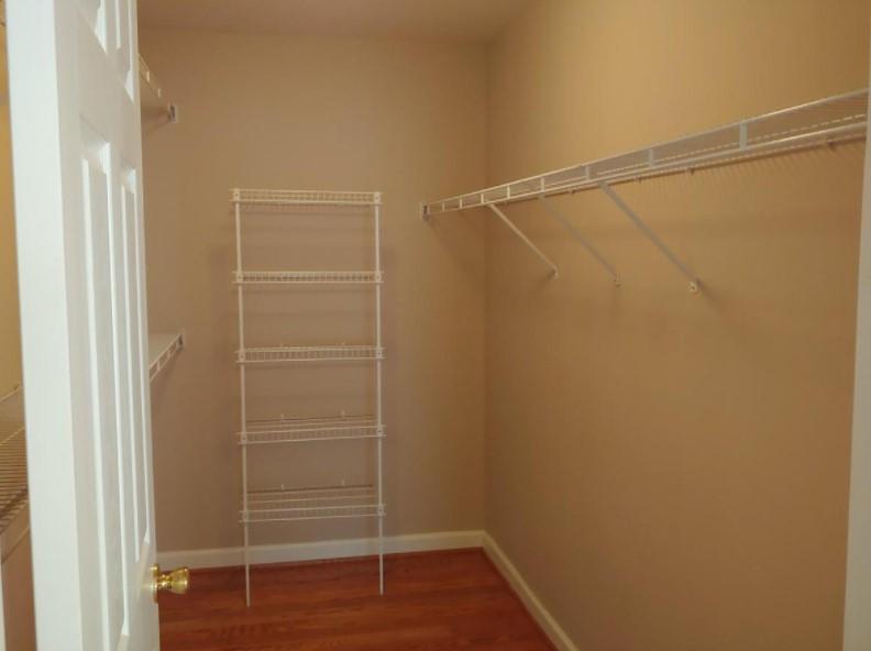 43340 Julie Martin Ct, Ashburn, VA - 2,950 USD/ month