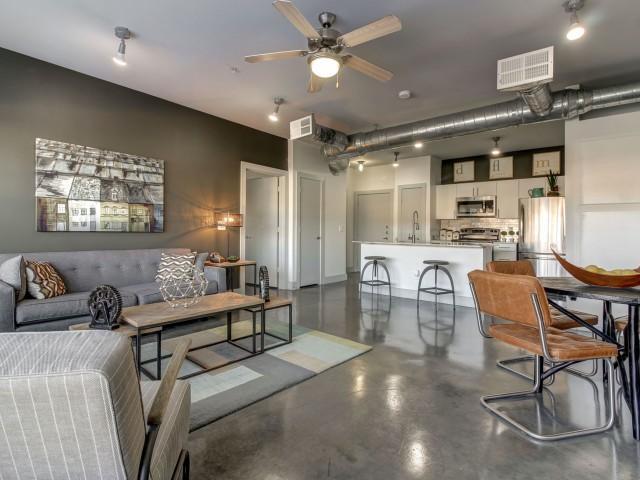 5225 Maple Avenue #6301, Dallas, TX - 1,425 USD/ month