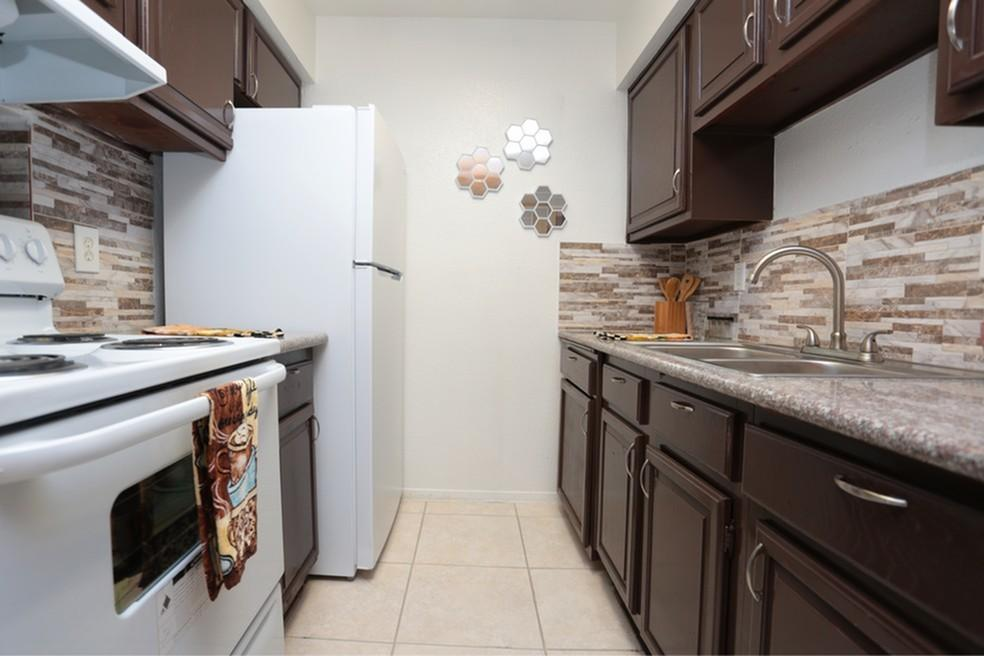 6233 Gulfton #3160, Houston, TX - 635 USD/ month