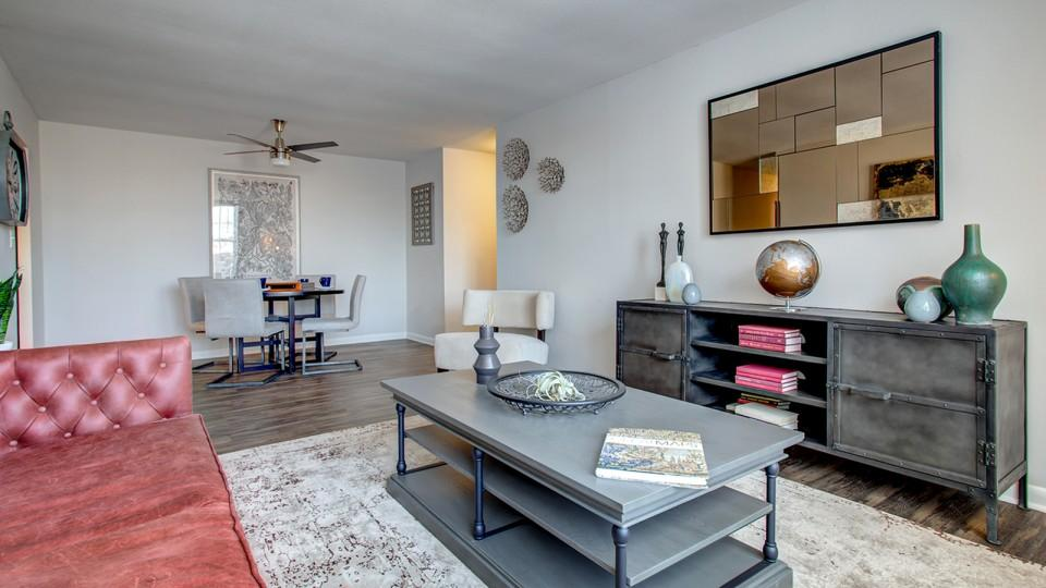 624 Sheridan Rd #6223E, Highwood, IL - $1,465 USD/ month