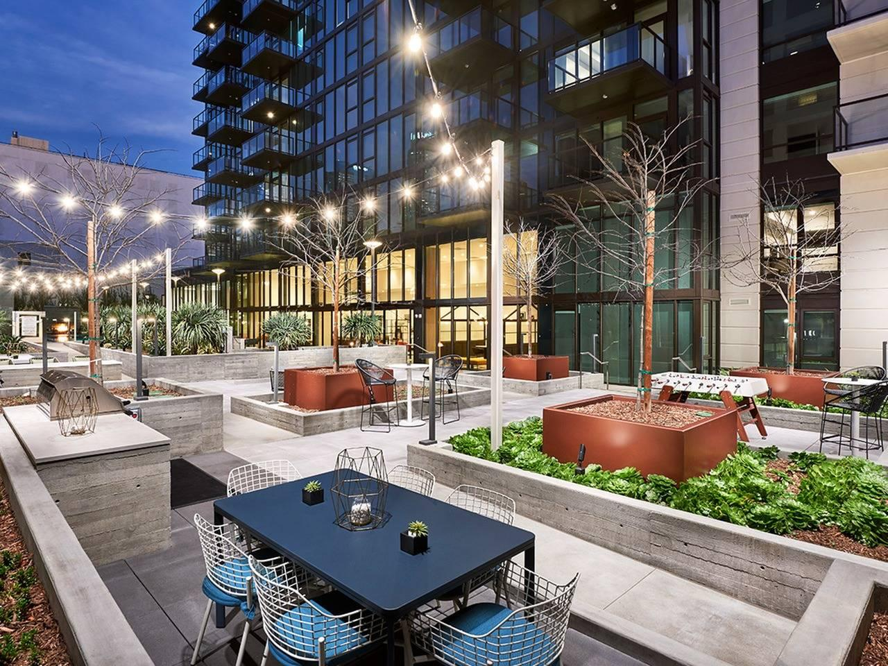 755 S Spring St #2610, Los Angeles, CA - 8,346 USD/ month
