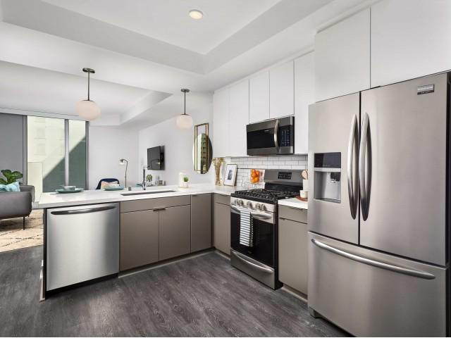 755 S Spring St #708, Los Angeles, CA - 3,492 USD/ month