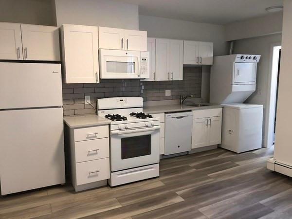 254 Windsor Street #3R, Cambridge, MA - $3,400 USD/ month