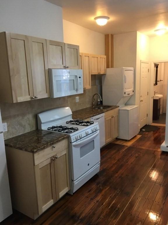 254 Windsor St #1R, Cambridge, MA - $3,100 USD/ month