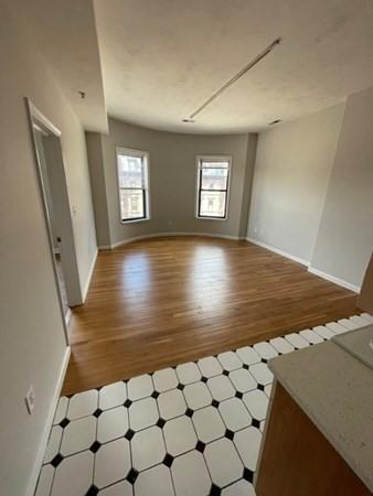 532 Columbus Ave #6, Boston, MA - $2,800 USD/ month