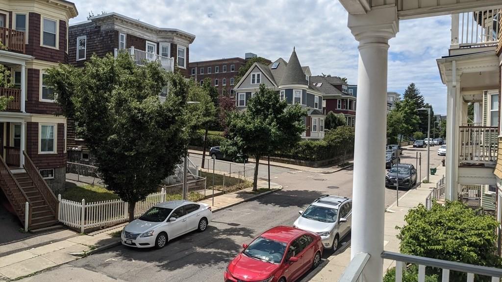 128 King Street #2, Boston, MA - 2,700 USD/ month
