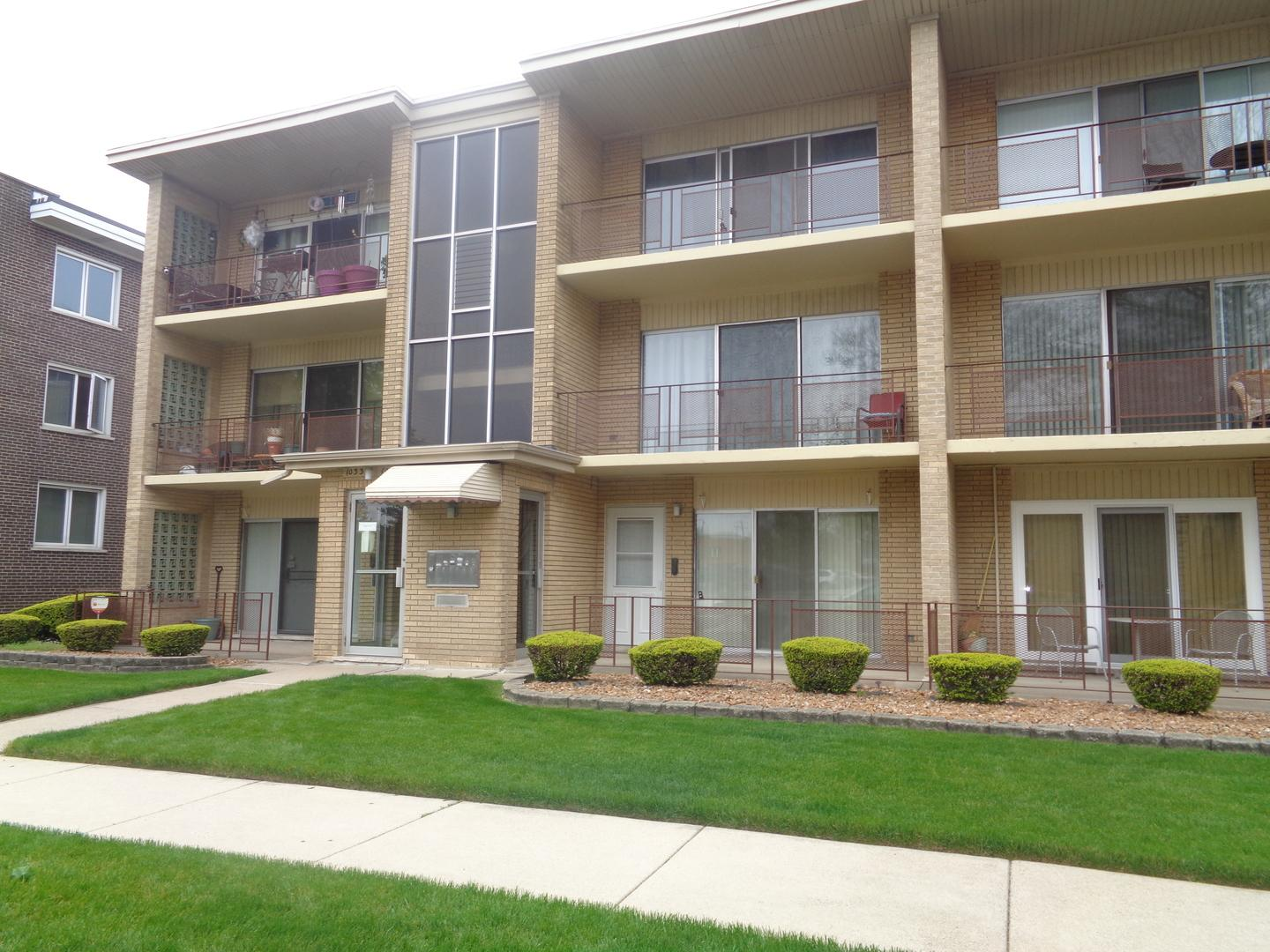 10330 South Komensky Avenue #3C, Oak Lawn, IL - $950 USD/ month