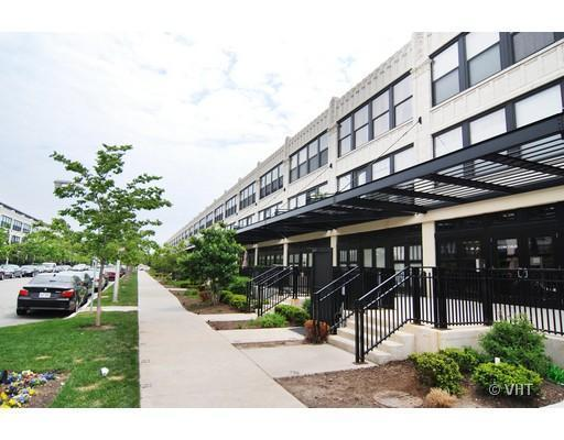 1151 West 15th Street #204, Chicago, IL - 1,700 USD/ month