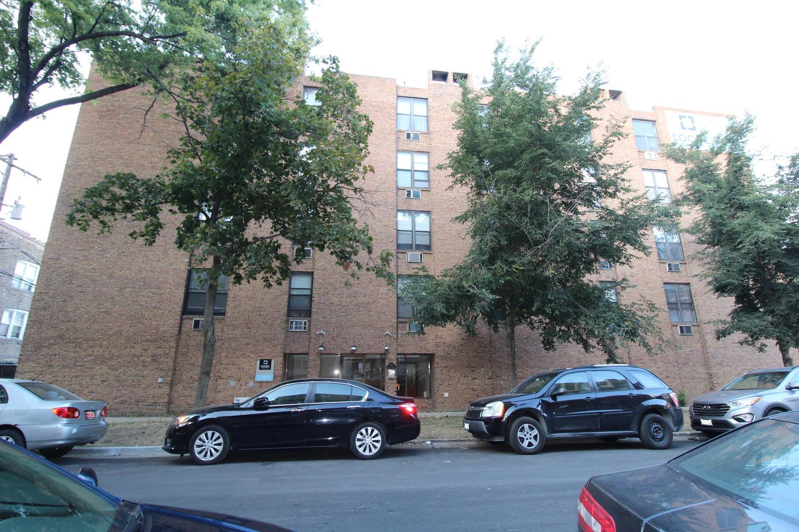 800 West Lill Avenue #102, Chicago, IL - 1,797 USD/ month