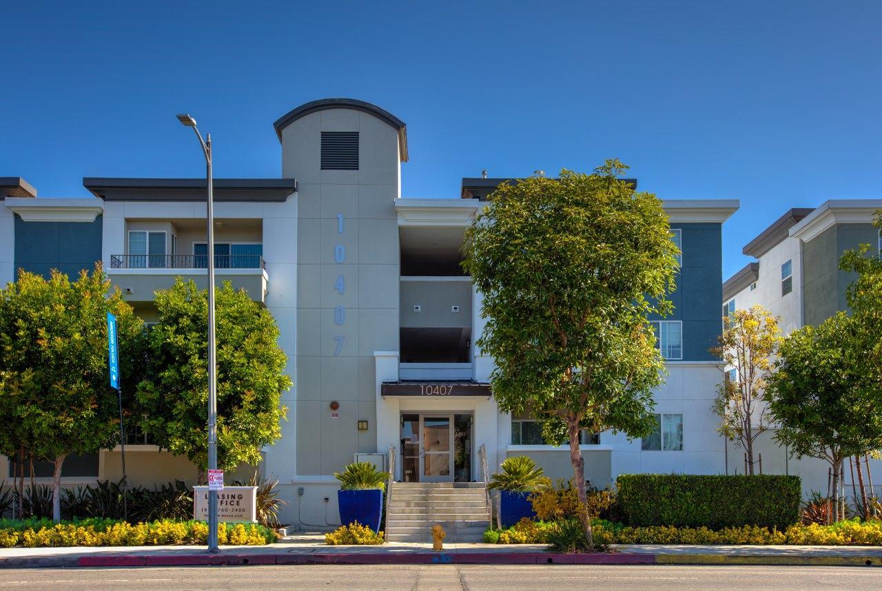 10407 Magnolia Blvd #3-207R, Los Angeles, CA - $3,335 USD/ month