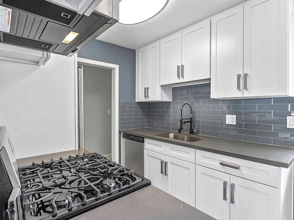 10800 Rose Ave #09, Los Angeles, CA - 2,450 USD/ month