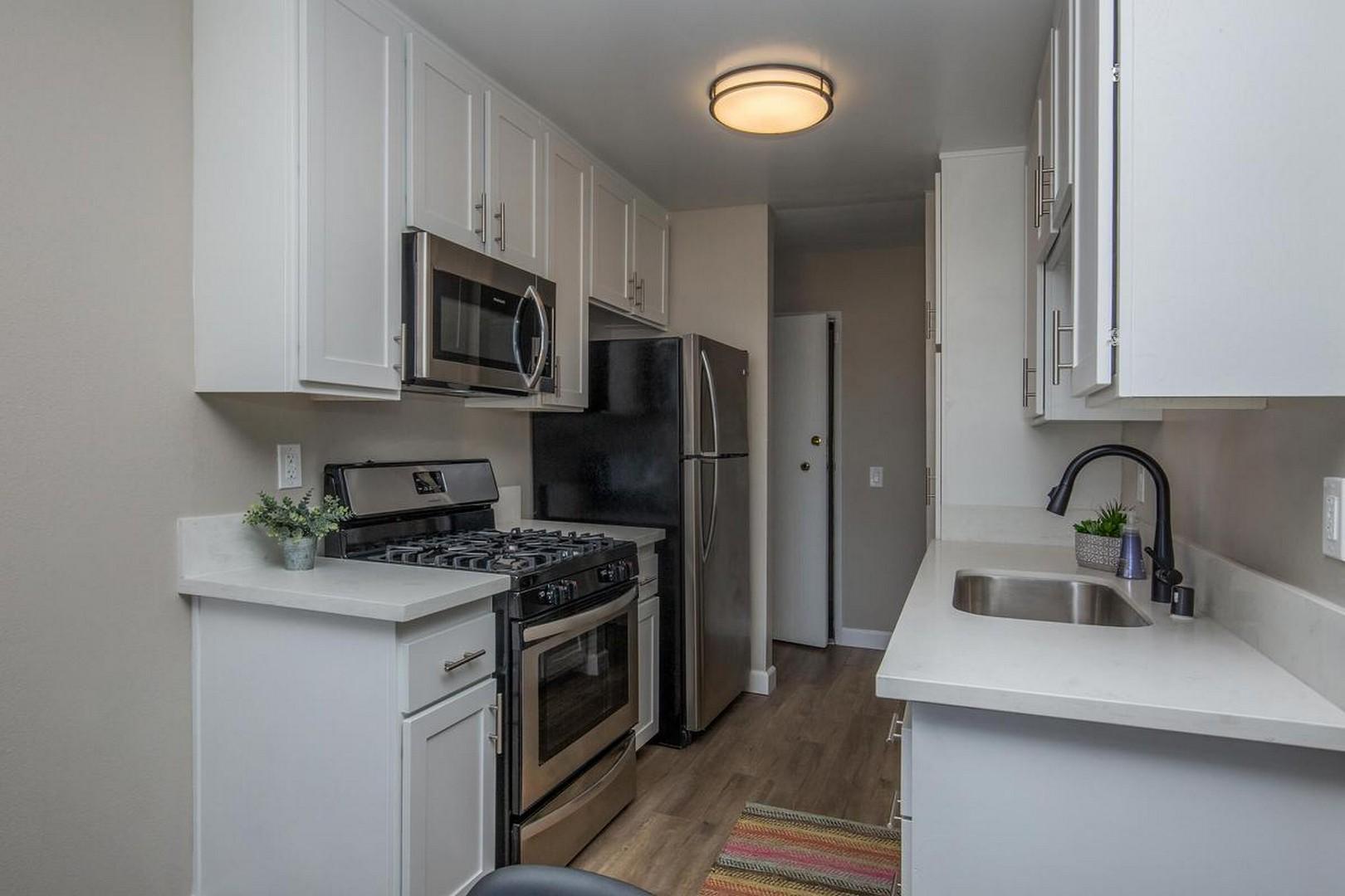 1377 E Windsor Rd #311, Glendale, CA - $1,899 USD/ month