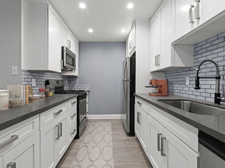 3665 Hughes Ave #220, Los Angeles, CA - 3,595 USD/ month