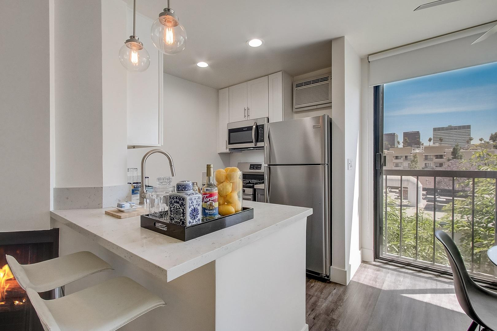 333 South Kingsley Drive #232, Los Angeles, CA - 2,145 USD/ month