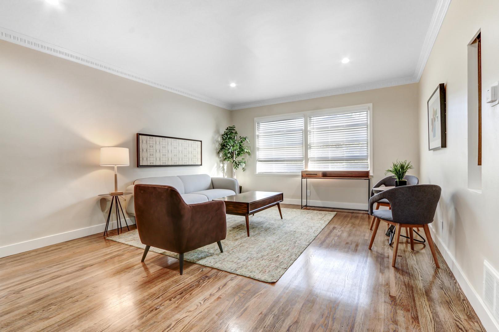 437 San Vicente Boulevard #439-A, Santa Monica, CA - $3,895 USD/ month