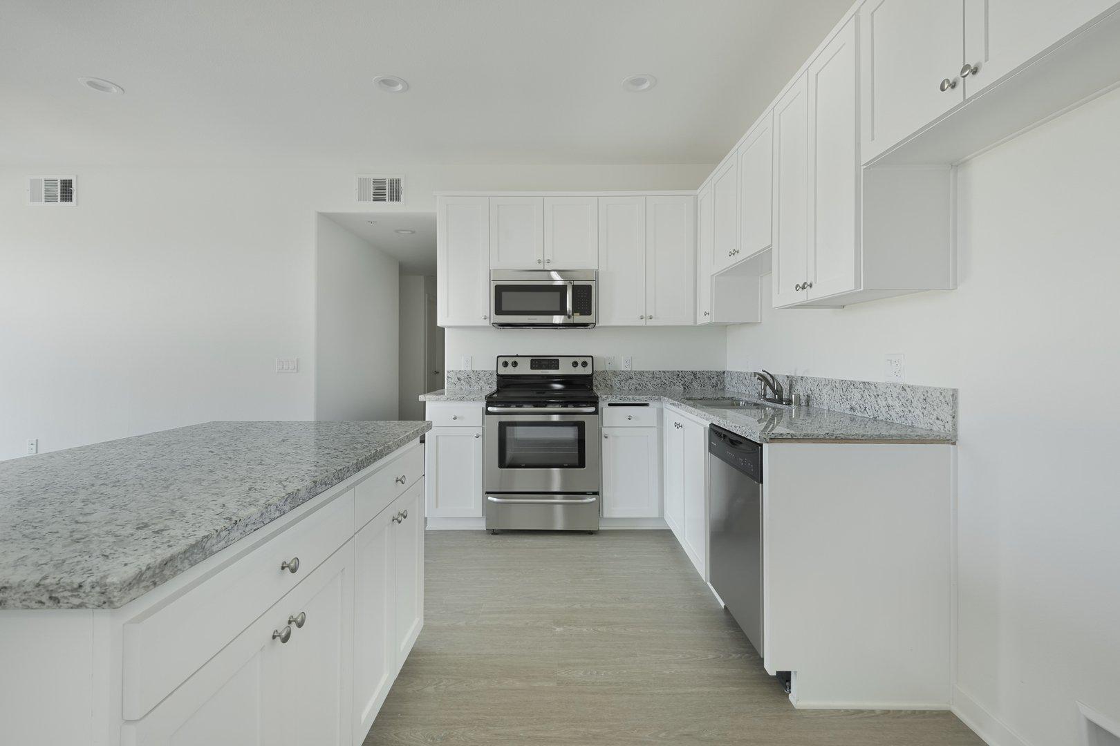 422 South Lake Street #409, Los Angeles, CA - 2,500 USD/ month