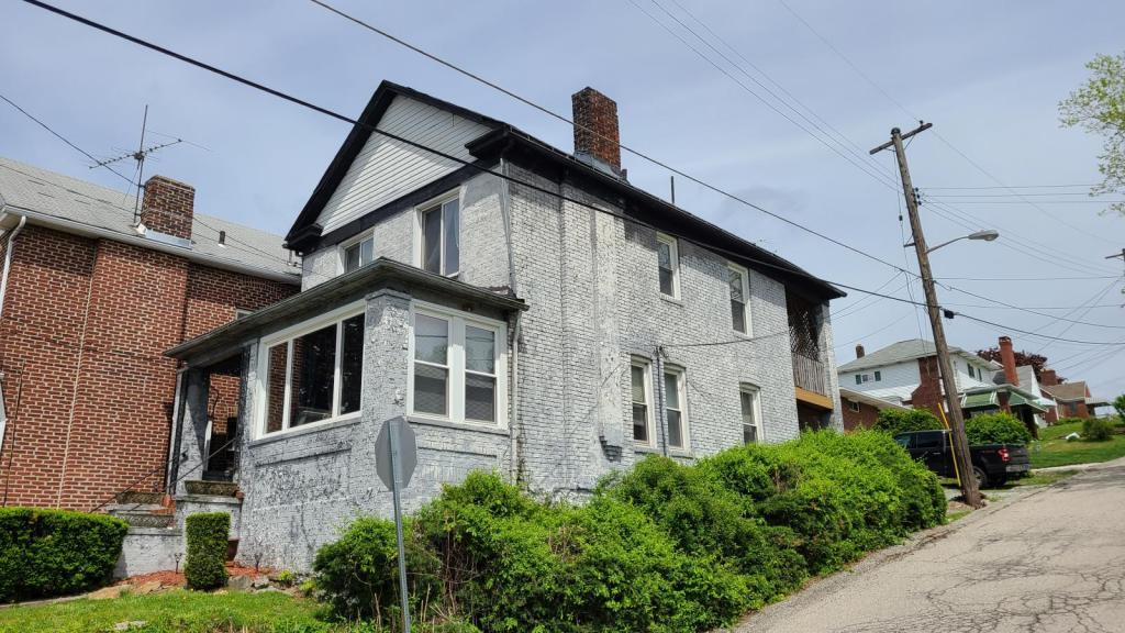 217 Shady Hill #2nd Floor, Pittsburgh, PA - 795 USD/ month