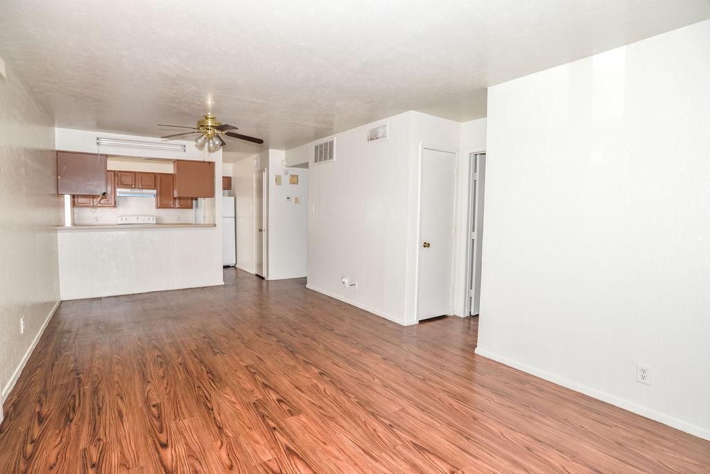 2221 Stella Street #1, Denton, TX - 995 USD/ month