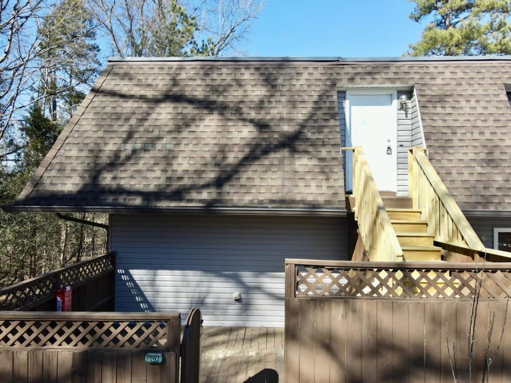 207 Summerwalk Circle, Chapel Hill, NC - 1,200 USD/ month