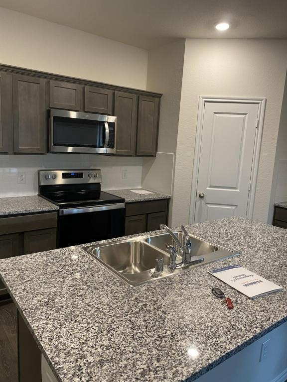 4521 Stardust Way, Forney, TX - 2,200 USD/ month